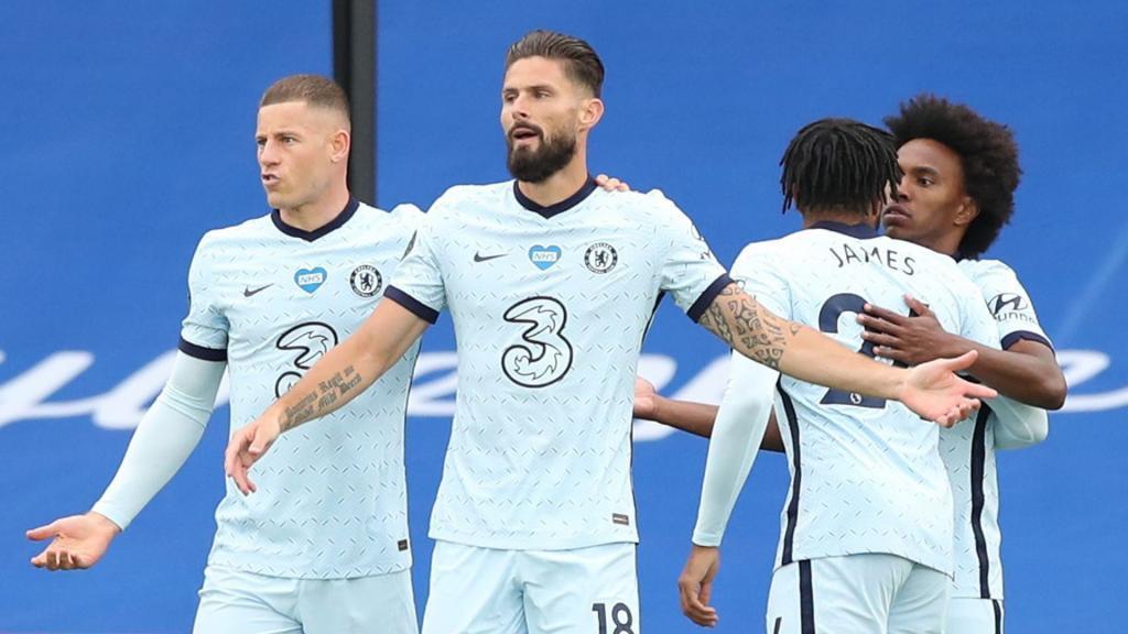 Les Blues s'imposent avec un nouveau but de Giroud. gOAL